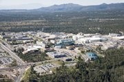 An aerial view of the Los Alamos National Laboratory's central technical area in New Mexico in September 2006. A new expert report recommends canceling a LANL project to build a replacement facility for the production of plutonium pits for U.S. nuclear warheads (Los Alamos National Laboratory photo).