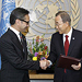 Foreign Minister Natalegawa of Indonesia with Secretary-General Ki-moon (right)