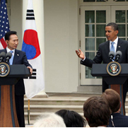 KOC President Lee Myung-bak and U.S. President Barack Obama at a press conference in Washington, DC, June 16, 2009,